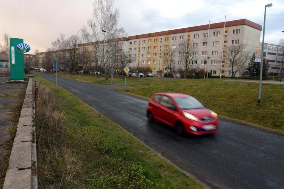 Die Döbelner Straße ist bisher in beide Richtungen befahrbar. Einmal im Jahr wird sie zur Einbahnstraße. Eine Möglichkeit, auch zukünftig mehr Platz zu schaffen?