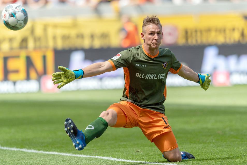 Dynamos neue Nummer eins: Kevin Broll bekommt wenig zu halten, ist mehr fußballerisch gefordert.