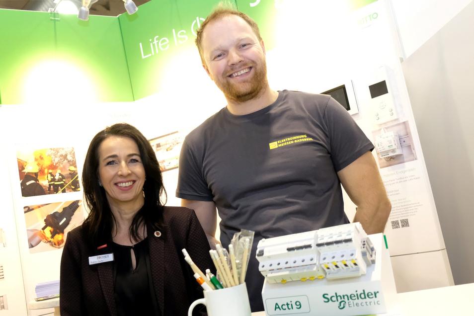 """""""Abwechslung ist garantiert."""" Katrin Zache und Sten Kirschner von der Elektroinnung Meißen-Radebeul wollen die Azubis im Handwerk halten."""