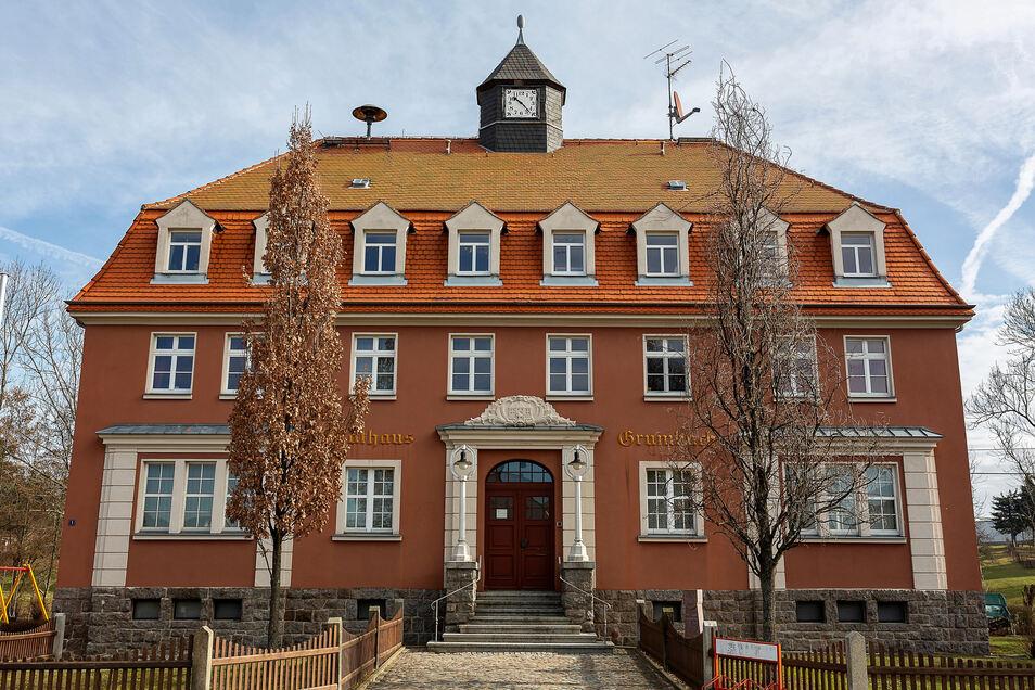 Das alte Grumbacher Rathaus soll nach der Kommunalwahl eine Frischekur und einen barrierefreien Zugang bekommen.