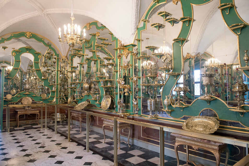 Ein üppig mit Sammelgut ausgestattetes Zimmer des Grünen Gewölbes im Dresdner Schloss der Staatlichen Kunstsammlungen. Dort wurde nichts gestohlen.