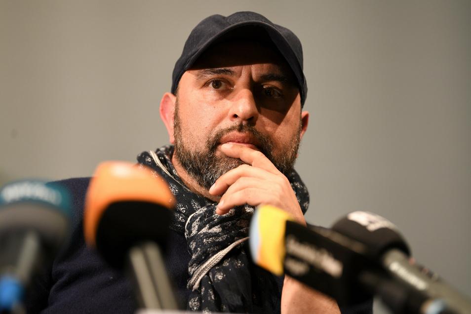 Der Rundfunk Berlin-Brandenburg (RBB) hat nach Kritik an Äußerungen des Comedians Serdan Somuncu eine redaktionell überarbeitete Fassung des betroffenen Podcasts veröffentlicht.