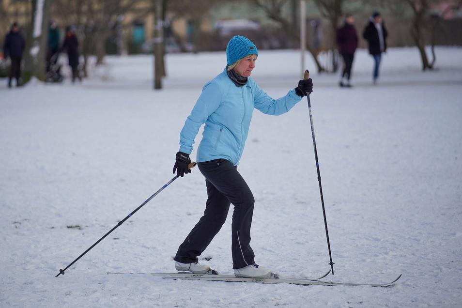 Astrid Matterne nutzte den Sonntag, um nach langer Zeit wieder die Langlaufskier rauszuholen.