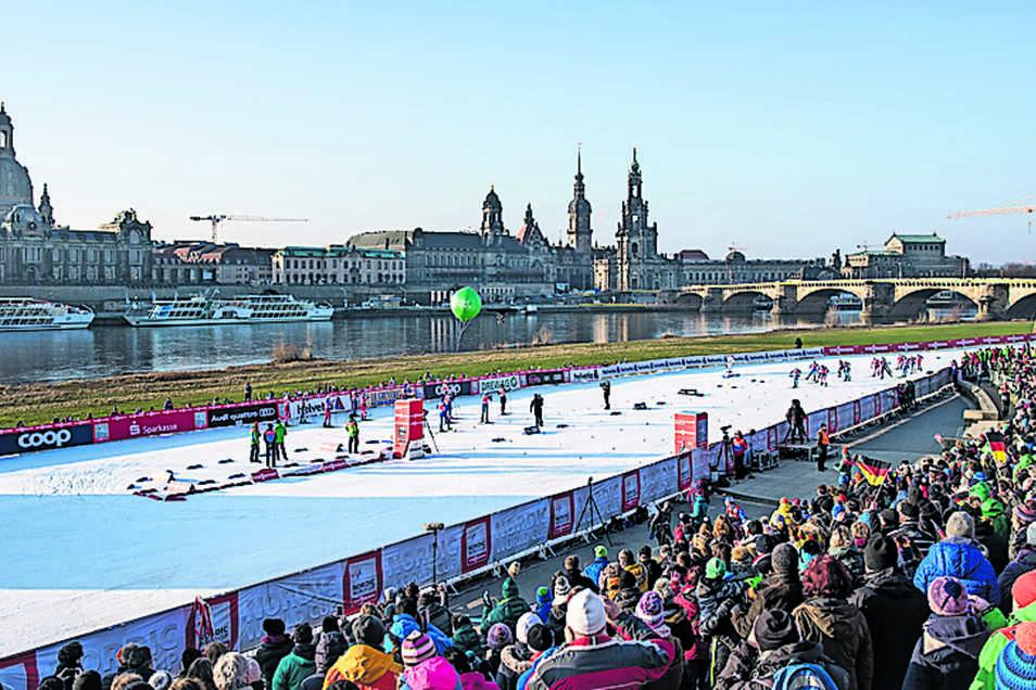 In Dresden schlängelte sich beim Ski-Weltcup im Januar ein weißes Band aus Kunstschnee am Elbufer entlang.