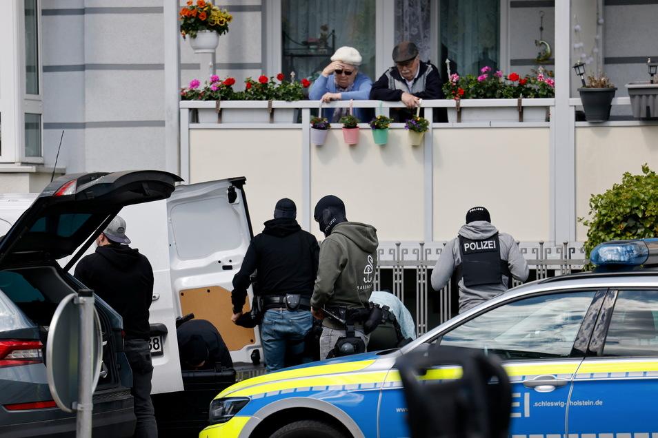 Nach den Schüssen in Dänischenhagen riegelte die Polizei auch das Brauereiviertel in Kiel ab.