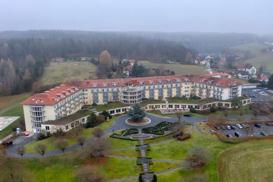 Die Rehabilitationsklinik Hetzdorf liegt am Rand des Tharandter Waldes.