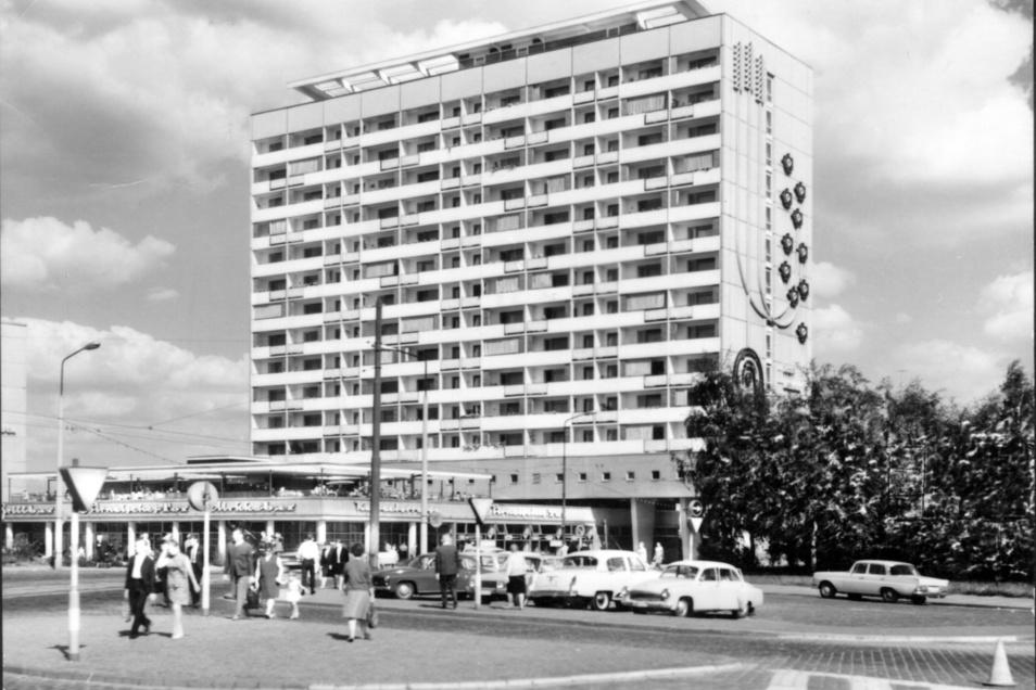 Als Perle ostmoderner Architektur ist das Hochhaus gepriesen worden, als es eröffnete. Hier eine Aufnahme um 1970.
