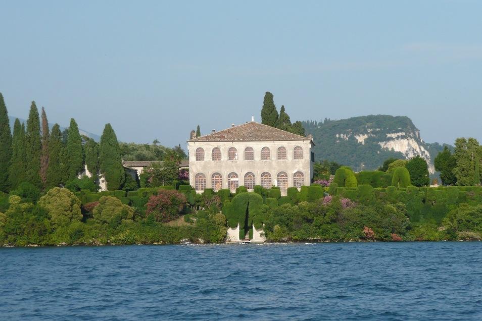 Wie wäre es mit einer Reise nach Italien? Hier locken zum Beispiel der Gardasee und der Lago Maggiore.