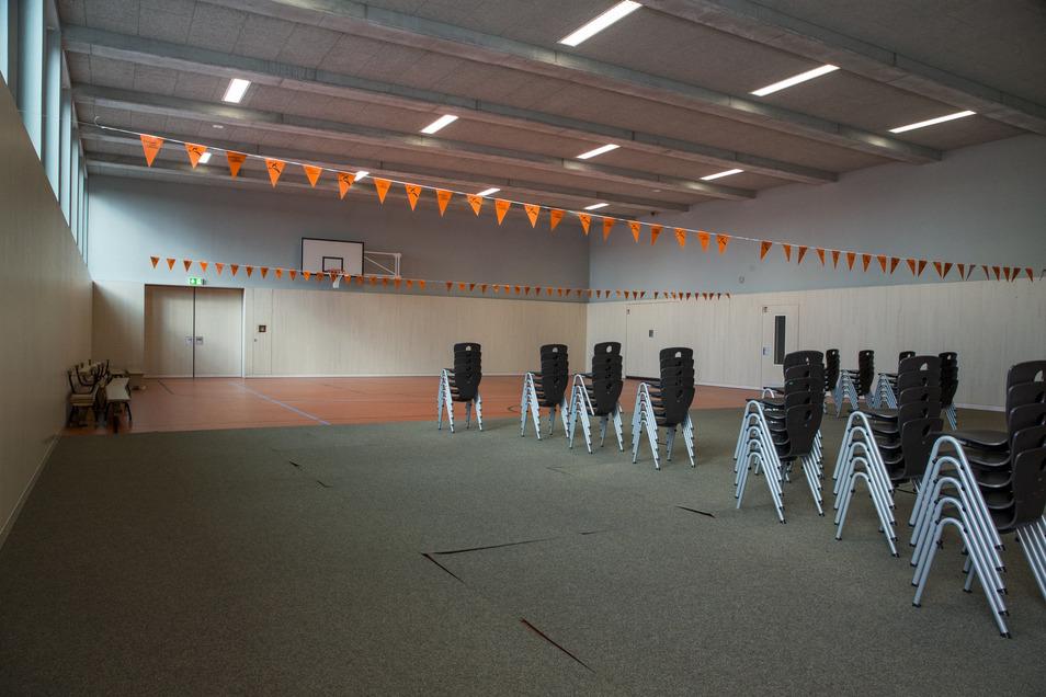 Blick in die neue Turnhalle im Anbau der Grundschule.