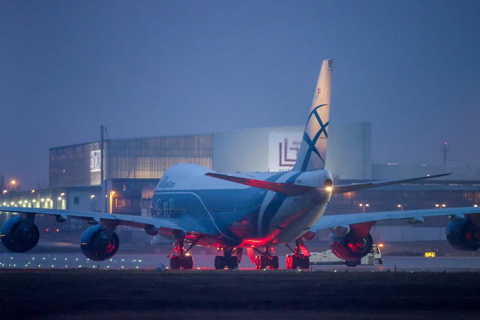 Der Flughafen Leipzig/Halle hat für Frachtmaschinen eine Nachtflugerlaubnis.