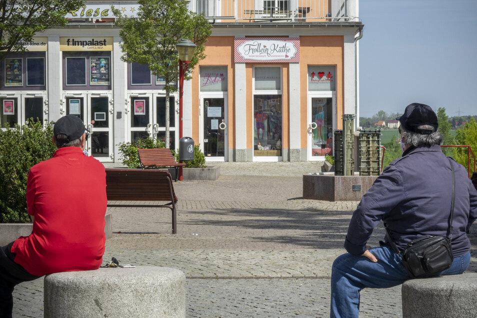 Nicht alle Geschäfte in Riesa, die infolge der geänderten Corona-Regeln seit gut einer Woche wieder öffnen dürfen, haben auch auf. Unter anderem der Modeladen Frollein Käthe am Kino.