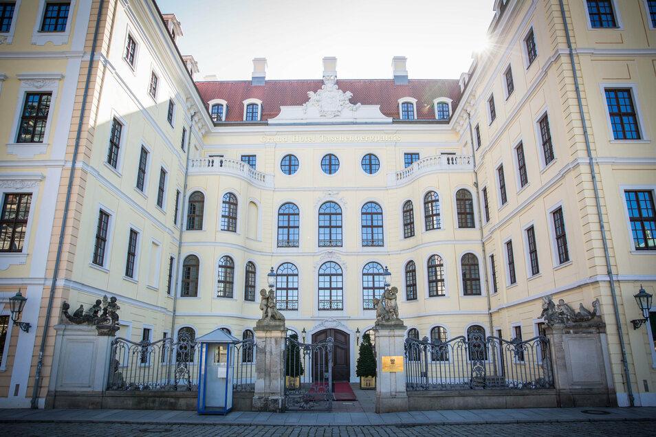 Das Hotel Kempinski im Taschenbergpalais hat derzeit ganz geschlossen, obwohl immerhin Geschäftsreisende beherbergt werden dürften.