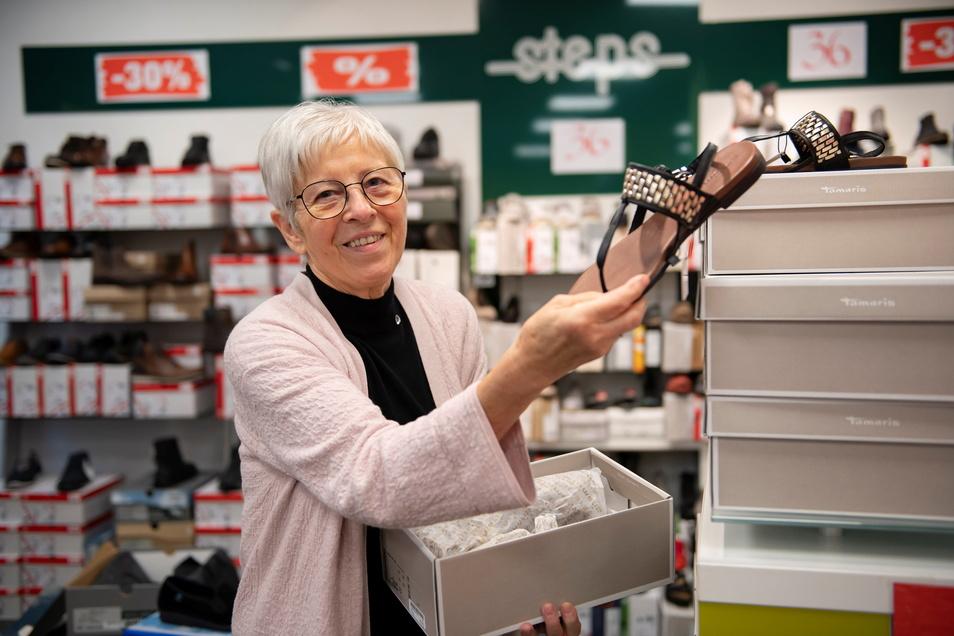 Und wieder neigt sich in Großenhain eine Ära dem Ende entgegen: 30 Jahre lang führte Ute Wegerich gemeinsam mit ihrem Mann Horst das Schuhgeschäfts steps. Nun wird es schließen.