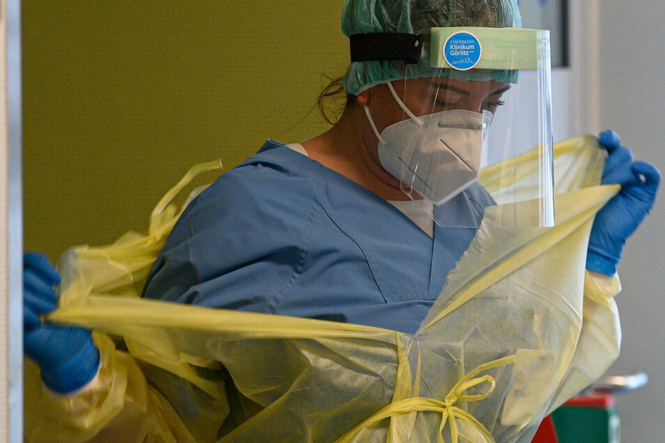 Die Zahl der Neuinfizierten mit Corona im Landkreis Görlitz bleibt auf extrem hohen Niveau.
