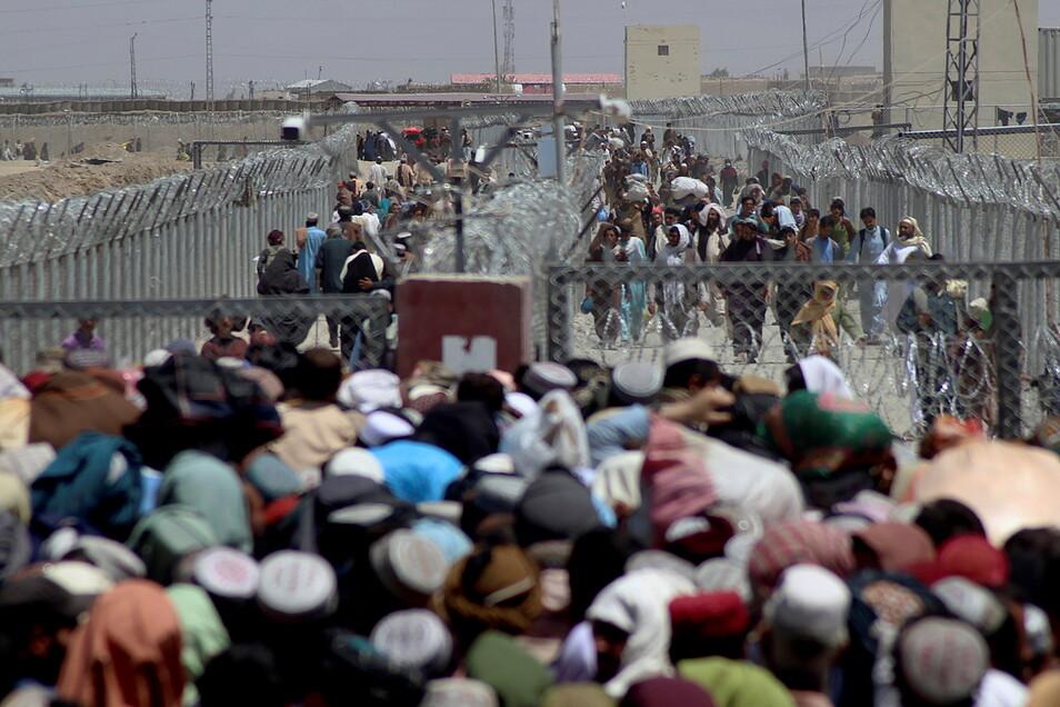 Afghanische Flüchtlinge an der Grenze zu Pakistan.