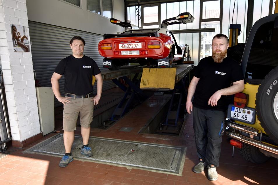 Sepp Melkus (l.) hat in Holger Eisold einen erfahrenen Kfz-Technikmeister für seinen neuen Fahrzeugservice gefunden.