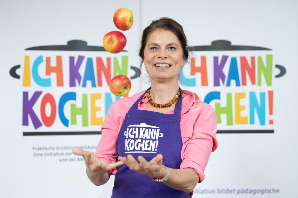 Die österreichische Fernsehköchin Sarah Wiener sorgt sich um die Zukunft der Gastronomie und ihrer Unternehmen.