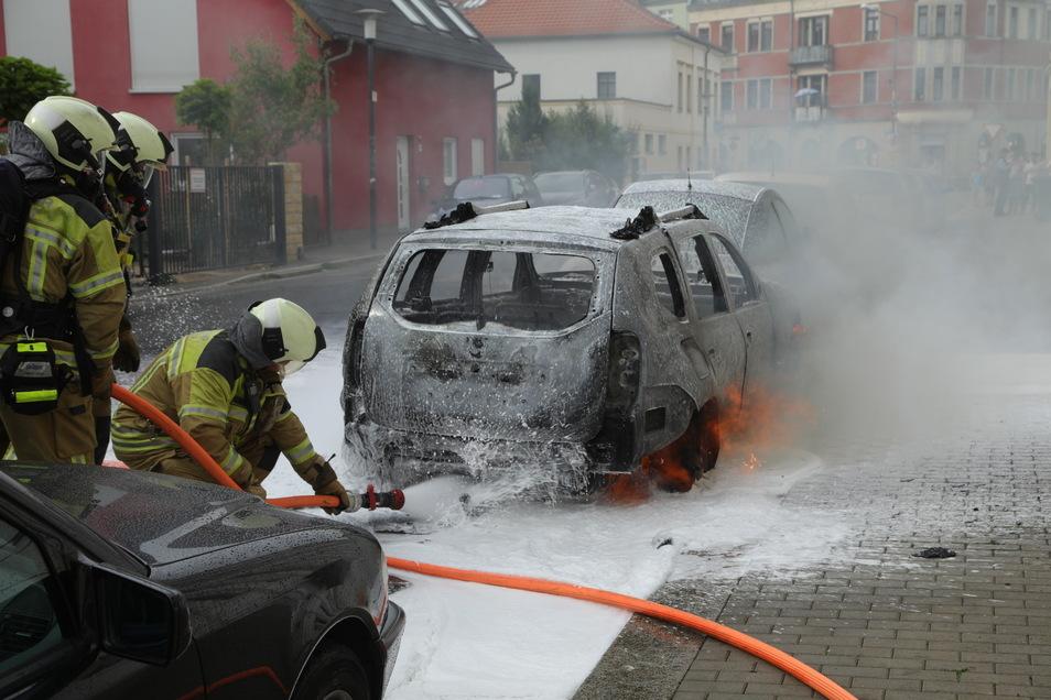 Die Feuerwehr versuchte, den Brand schnell zu löschen.