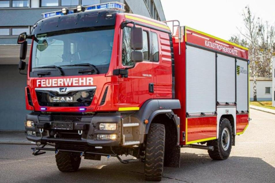 Gehören dem Freistaat, werden aber von hiesigen Feuerwehrleuten bedient: Einer der brandneuen Rüstwagen.