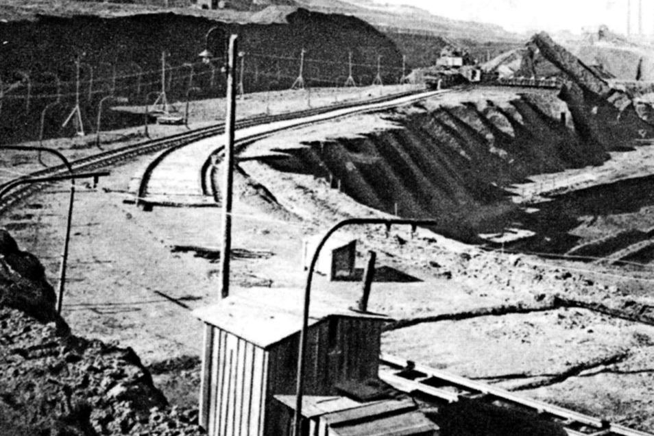 """So übersichtlich wie auf der Aufnahme aus den 1920er-Jahren blieb es im Braunkohlentagebau Türchau nicht allzu lange. Das historische Foto wurde dem 2006 im Lusatia-Verlag Bautzen erschienenen Bildband """"Im Zittauer Zipfel"""" entnommen.)"""