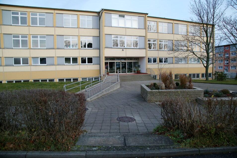 """Eine von nur zwei Förderschulen im Landkreis Görlitz, die Schulsozialarbeiter haben: das Förderschulzentrum """"Mira Lobe"""" im Görlitzer Stadtteil Königshufen."""