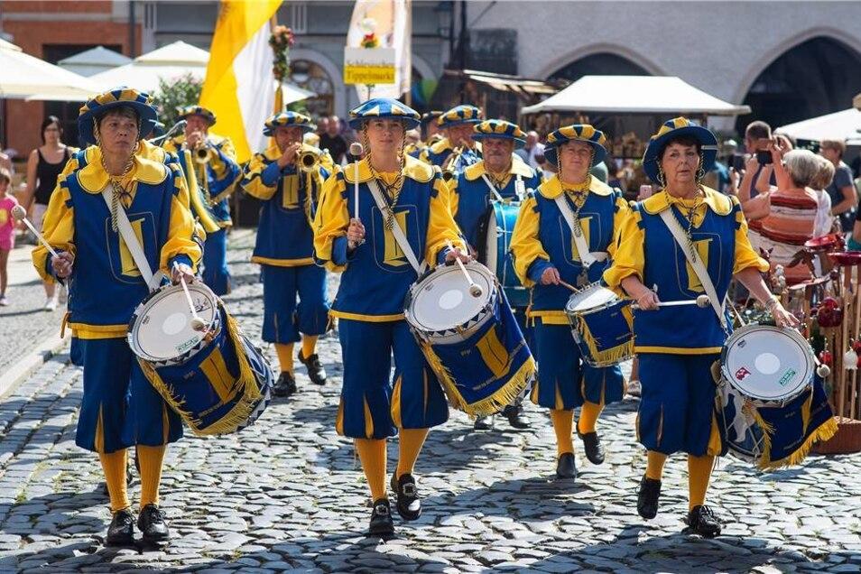 Nicht fehlen durften bei der Eröffnung die Landskron-Herolde, die für eine prächtige Stimmung sorgten.
