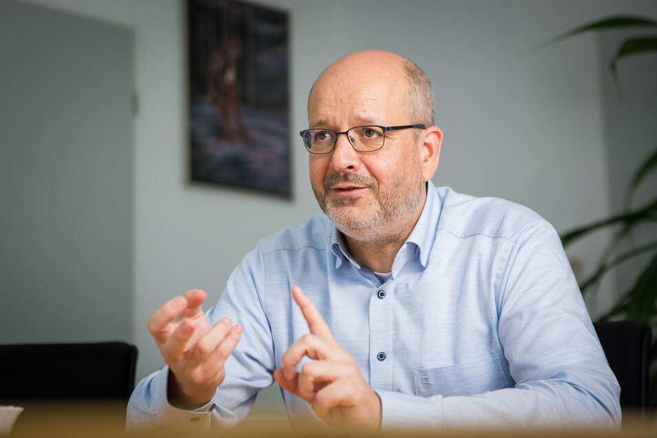 Stesad-Chef Axel Walther erklärt im SZ-Interview, wie beim Schulhausbau Zeit gewonnen werden kann.