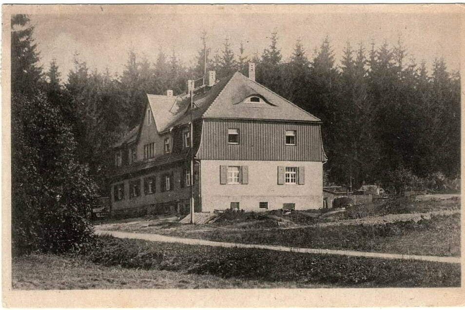 Genau ist die Entstehungszeit des alten Sohlander Zollhauses nicht bekannt. Aber Überlieferungen deuten darauf hin, dass es etwa 1920 errichtet wurde.