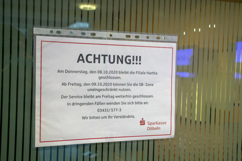 Der Servicebereich der Sparkasse bleibt am Freitag geschlossen, der SB-Bereich kann genutzt werden.