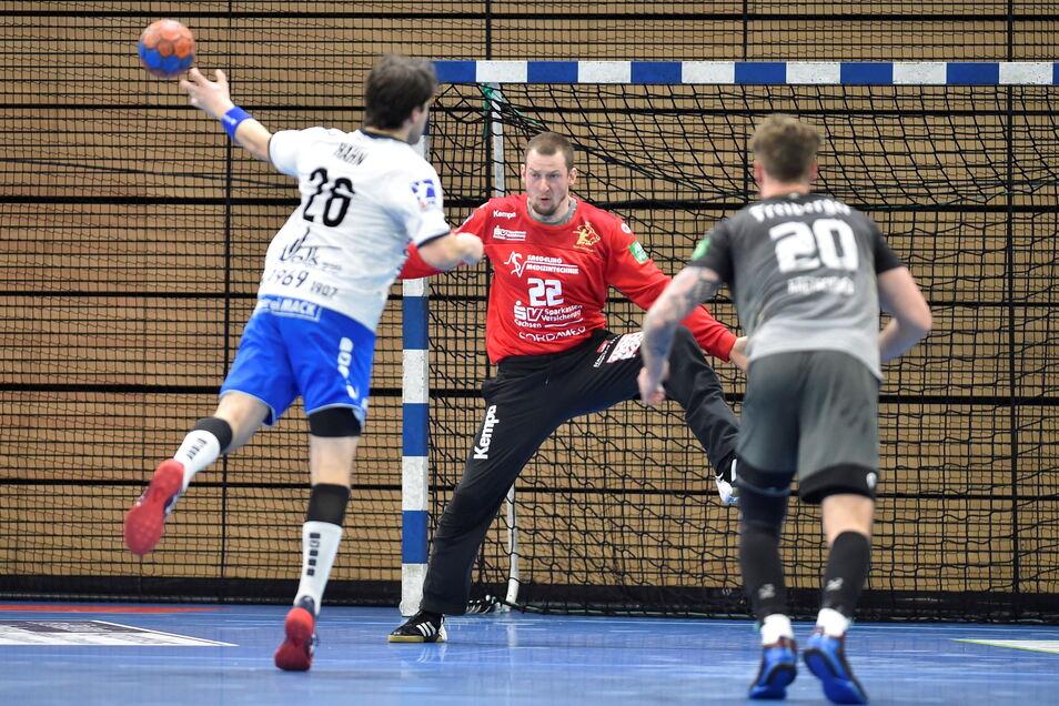 Dresdens Torwart Mario Huhnstock, hier beim Heimspiel am vergangenen Samstag gegen Hüttenberg, war auch in Lübeck ein sicherer Rückhalt.