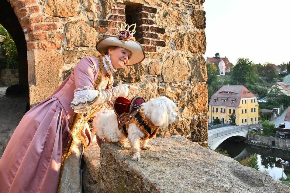 Auch als historische Figuren leiten Stadtführer - wie Silke Rogalla - Gäste durch Bautzen. Das Wissen und können dafür vermittelt jetzt ein neuer Kurs.