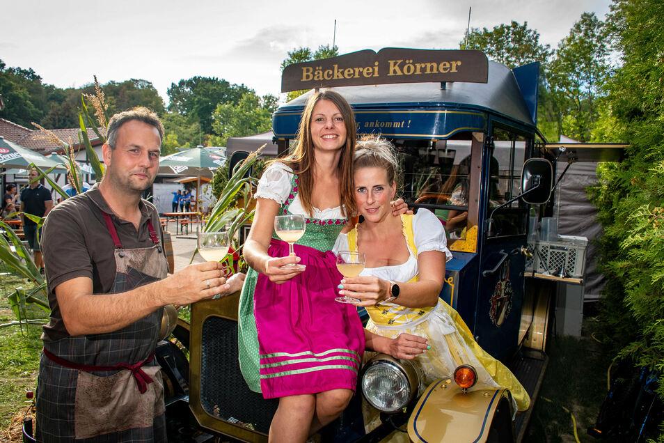 Der Weingarten in Döbeln: Die Veranstaltung hat am Wochenende hunderte Besucher aus der Region Döbeln angelockt. Zum Verkosten gab es von Rot- und Weißwein bis hin zu Käse einiges. Das Fazit der Veranstalter: Trotz Corona wurde reichlich ausgeschenkt.