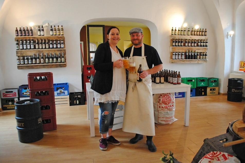 """Diana Klaus-Metzner und Alexander Klaus betreiben die """"Bierblume"""" und die """"Weiberwirtschaft"""" in der Görlitzer Neißstraße. Und sie haben weitere Pläne."""