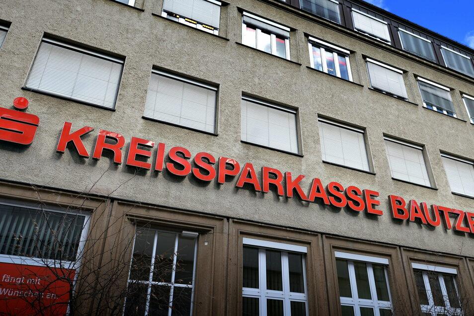 Die Kreissparkasse Bautzen warnt davor, vermeintlichen Sparkassen-Mitarbeitern sensible Daten am Telefon zu verraten.