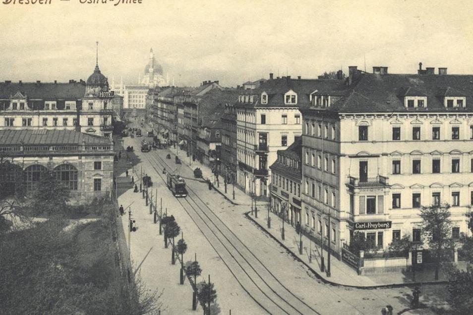 Vor der Zerstörung im Zweiten Weltkrieg war die Ecke Ostra-Allee/Am Zwingerteich bebaut. Heute stehen dort die Theaterwerkstätten.