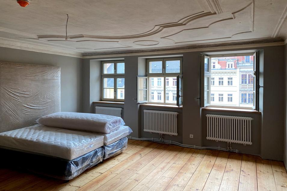 """Auch dieses Zimmer ist im"""" Sonnenhotel """" schon schön saniert."""