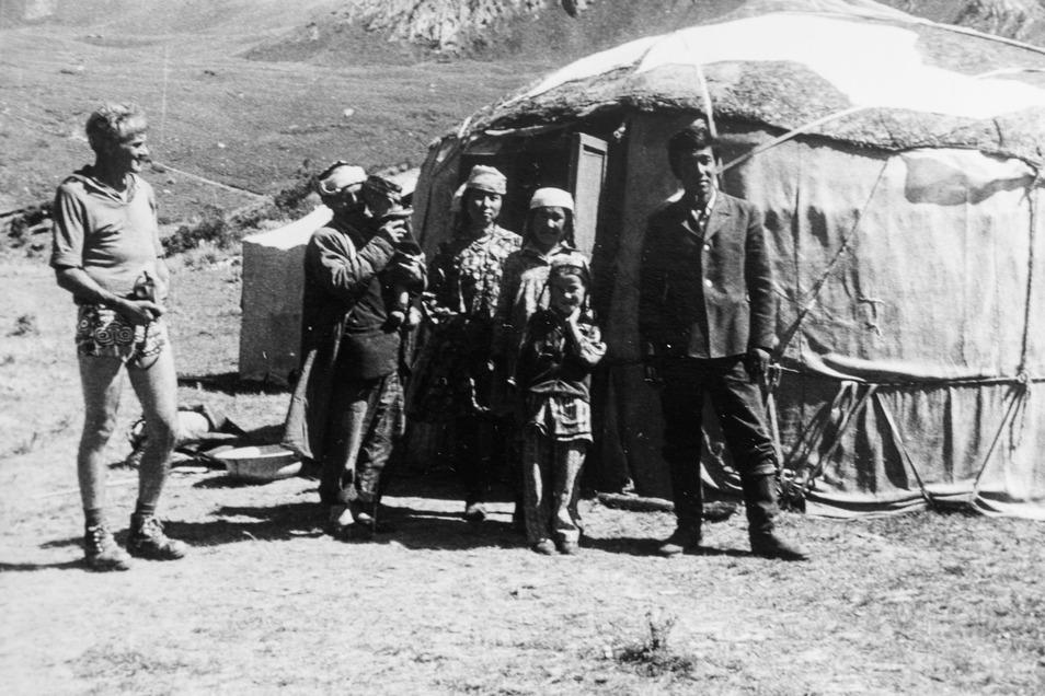 """""""Für die waren wir echte Exoten."""" Die Pirnaer Bergfreunde zu Gast bei einer Hirtenfamilie nahe der Peter-I.-Kette im nordwestlichen Pamir."""