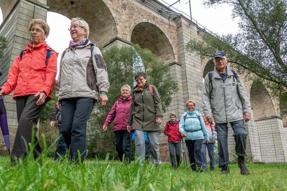Die Wanderfreunde Siegmar e.V. wandern 17km - sie machen jedes Jahr mit.