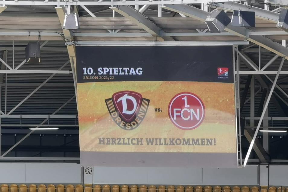 In zehn Minuten geht das Spiel zwischen Dynamo Dresden und dem 1. FC Nürnberg los.