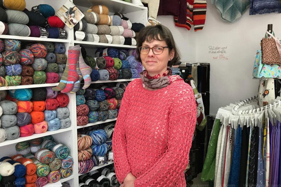 Bettina Weichert vom Wolle- und Kurzwarengeschäft an der Zwingerstraße in Kamenz öffnet am Sonnabend von 14 bis 18 Uhr zusätzlich - so wie 13 weitere Läden in der Altstadt.