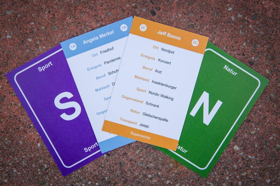 Die ersten Spielkarten haben die beiden im Copyshop drucken lassen.