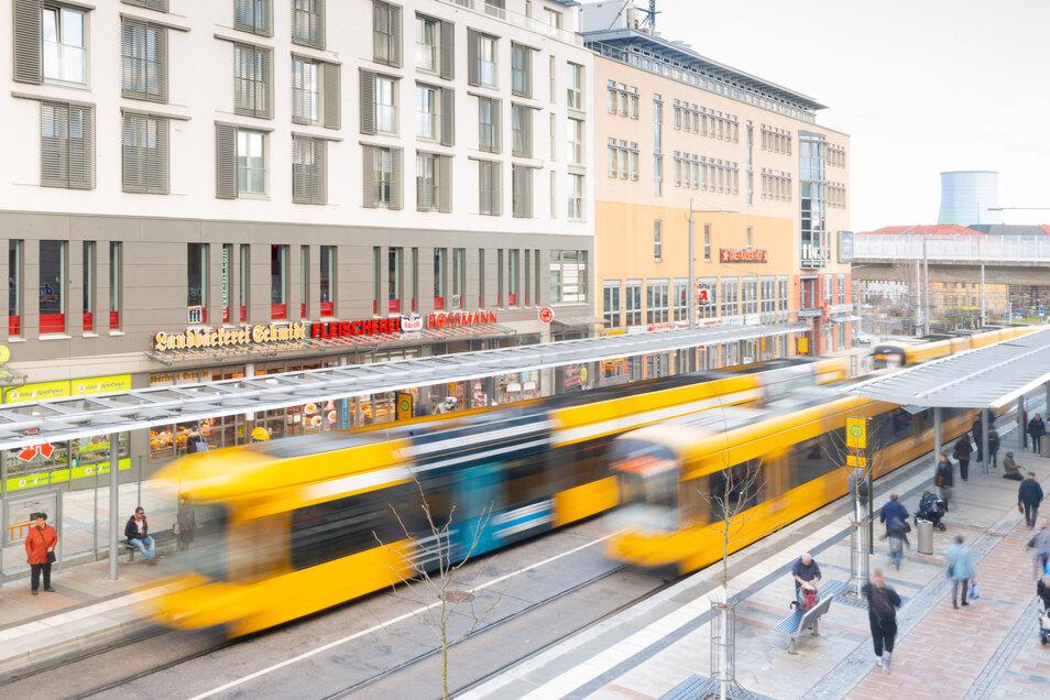 Masken sind seit 1. September in Dresdens Bussen und Bahnen Pflicht. Einige halten sich nicht daran.