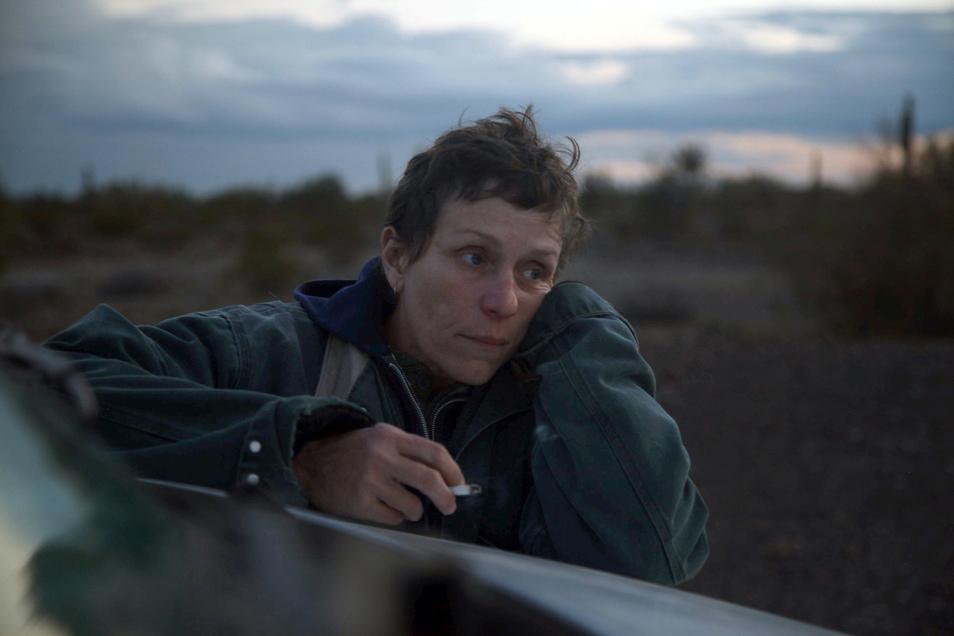 """Frances McDormand spielt die Hauptdarstellerin Fern in """"Nomadland"""". Der Film kommt am 01.07.2021 in die deutschen Kinos."""