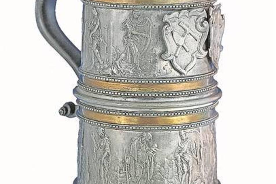 Maurer-Kanne Die Kanne der Zittauer Maurer-Innung von 1562 ist ein Meisterwerk der Zinngießerkunst der Renaissance von europäischem Rang. Die Kanne ist mit reicher Verzierung – unter anderem mit dem Stadtwappen – geschmückt.Foto: Museum