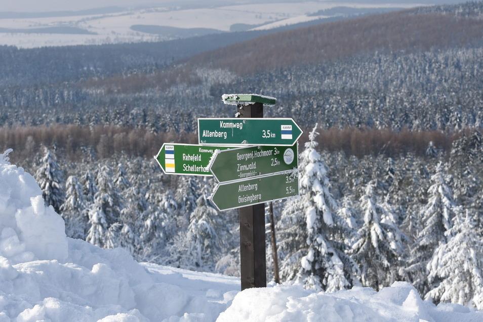 In der Kahlebergregion sind die Loipen gespurt. Dieses Wochenende bleibt der Winter dem Erzgebirgskamm treu.