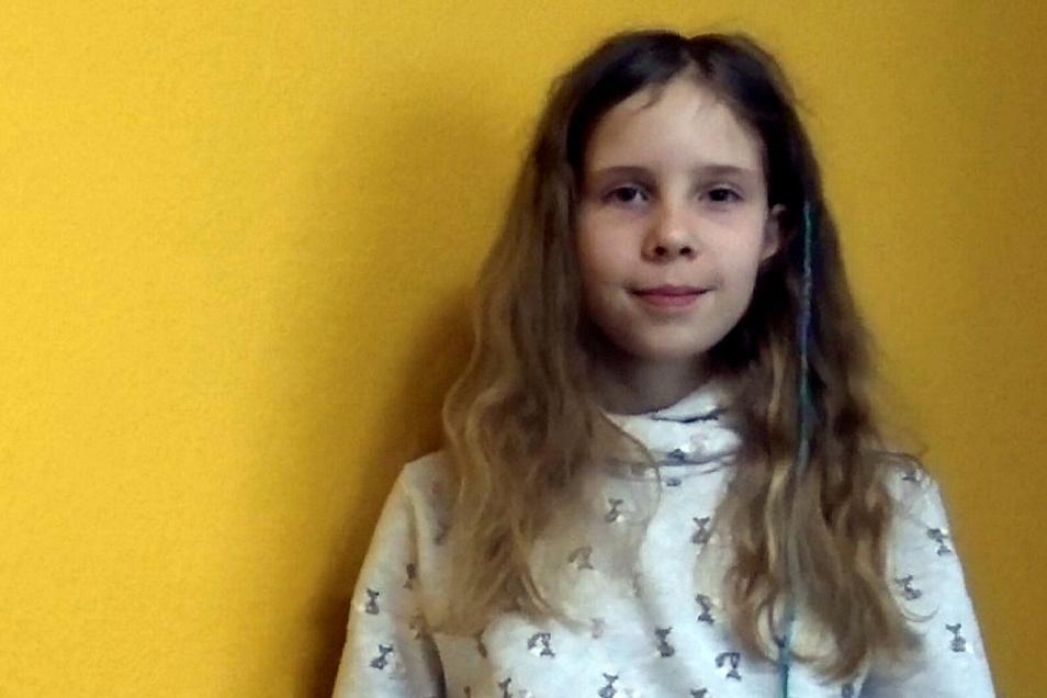 Mia Sommer vom Lessing-Gymnasium Hoyerswerda hat sich als Siegerin des Regionalentscheids im Bereich Hoyerswerda/Kamenz für den Bezirksentscheid qualifiziert.