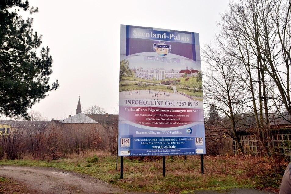 Tolles Projekt, aber aktuell ohne Baugenehmigung. In Großkoschen liegt ein tolles Grundstück mitten im Ort brach.