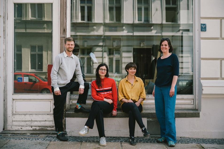 Das Ahoj-Team in der Görlitzer Landeskronstraße: Lorenz Kallenbach, Lisa Wiedemuth, Maria Oberländer und Julia Gabler.