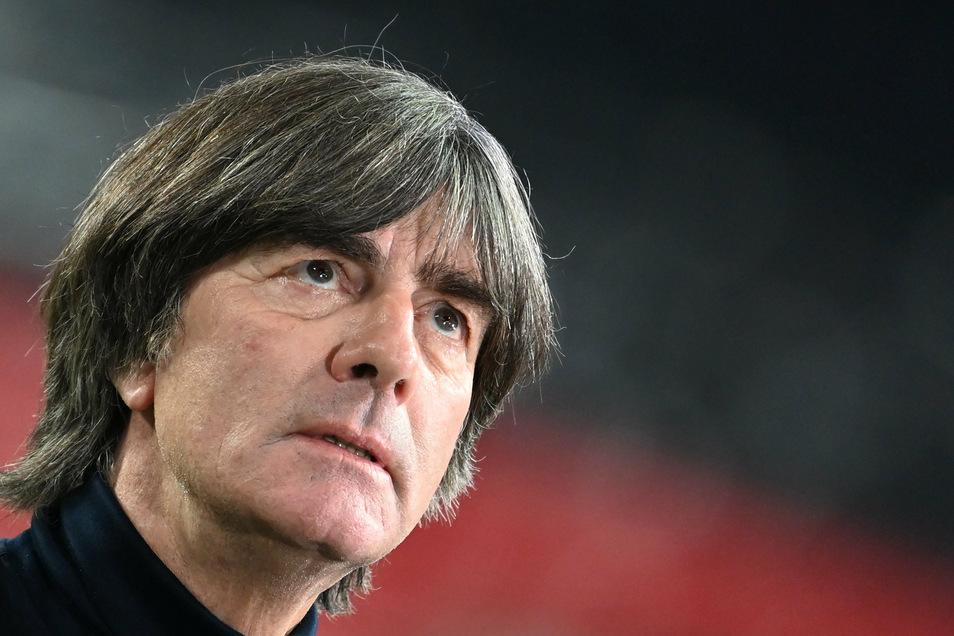 Dieses Mal verspielt die deutsche Azubi-Elf den Sieg nicht. Gegen Tschechien hält die frühe Führung. Bundestrainer Joachim Löw zeigte sich deshalb nach dem Spiel erleichtert.