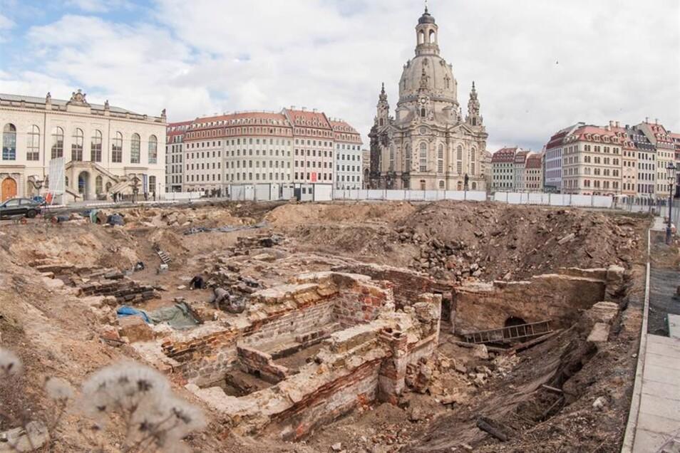 Archäologen hatten Ende März die Grabungen in den alten Kellergewölben hinter dem Kulturpalast beendet.